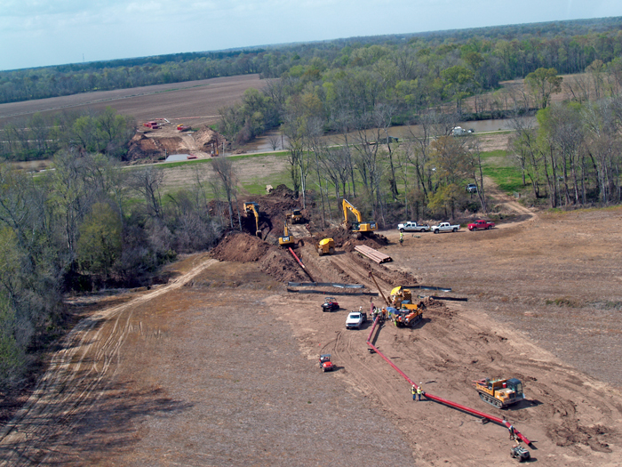 Pipeline River and Levee Crossing Combines Trenchless and Over-the-Top Construction Methods